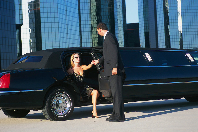 Let Four Star meet your ground transportation needs and exceed your expectations.